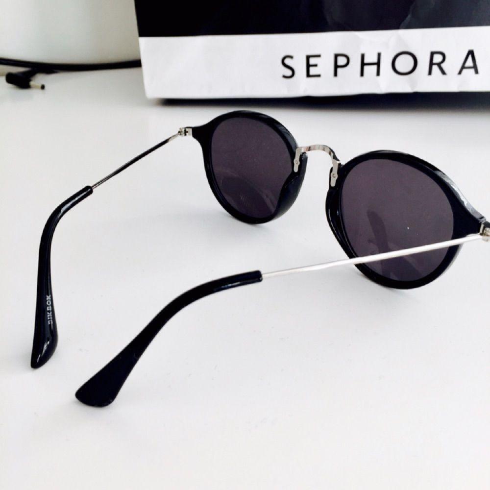 Ett par solglasögon från bikbok, i bra skick!. Accessoarer.