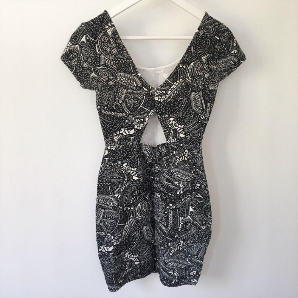 Fin klänning köpt på Bershka i Barcelona. Klänningar.