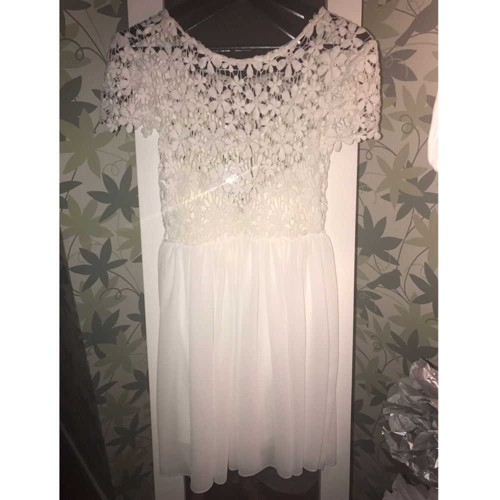 1cab05145947 Klänning från märket DM retro, säljes pga för kort. Väldigt fin klänning  med blommig ...