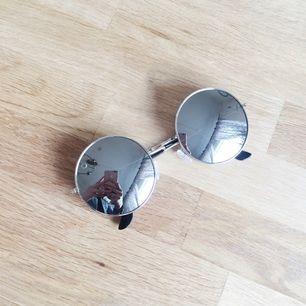 Snygga och stilrena solglasögon från Nocctane 🌱 Kan fraktas!
