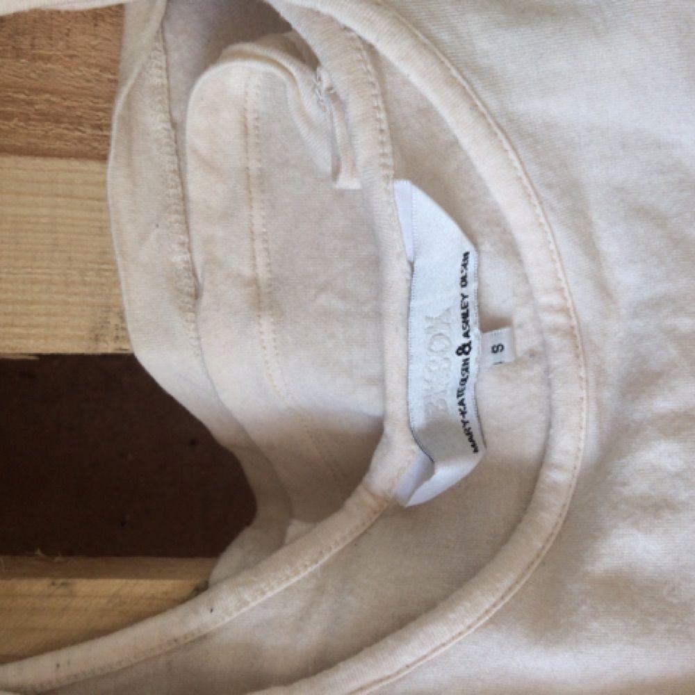 MK & ASHLEY OLSSEN linne. Enkelt och väldigt skönt.   Kan skickas mot fraktkostnad. . Toppar.