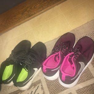 Säljer båda skorna för 350kr, de i helsvarta är stl 37 o de andra 36