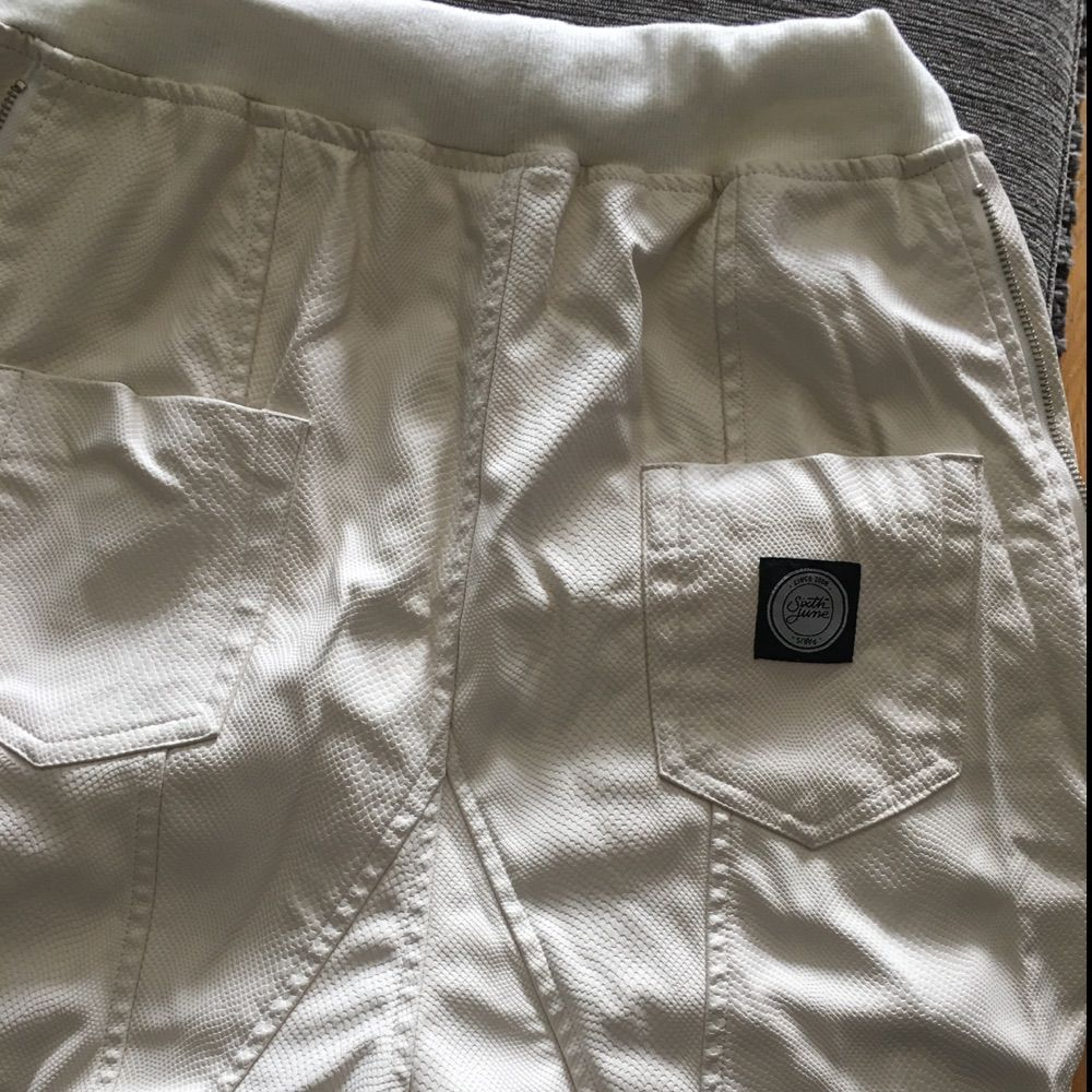 White leather byxor. Jeans & Byxor.