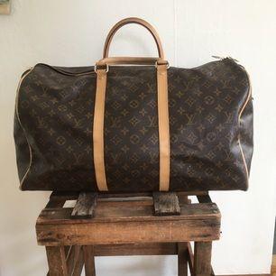 Louis Vuitton bag, fake, lite väderbiten men jävligt fet