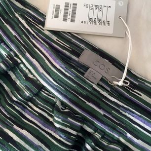 Helt ny jättefin kjol från COS. Köpte den för 690kr