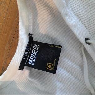 Meduim white shirt
