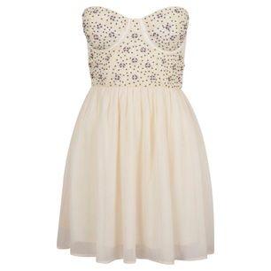 Fantastiskt fin klänning som endast är använd en gång. Den är köpt på BIK BOK och är från deras Rihanna kollektion. Köparen står för frakten.