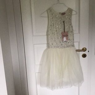 Omvänd klänning från top shop.