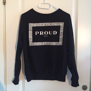 Zara tröja stl s. Har inte kommit till användning så säljer den vidare
