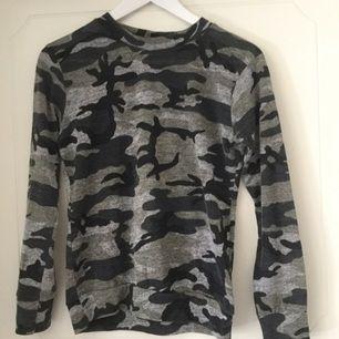 En tröja från madlady alldrig använt fraktas köparen står för frakten