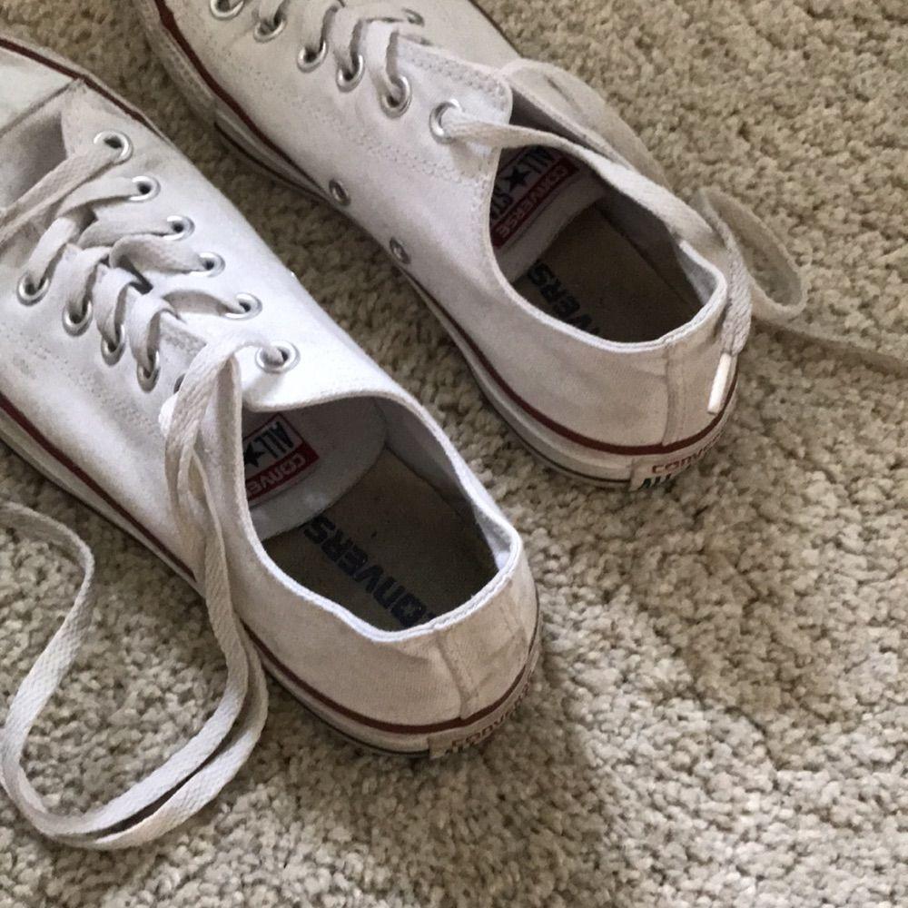 886253b7f16 Vita converse. Använda några få gånger. Går att tvätta i tvättmaskin för  att få ...