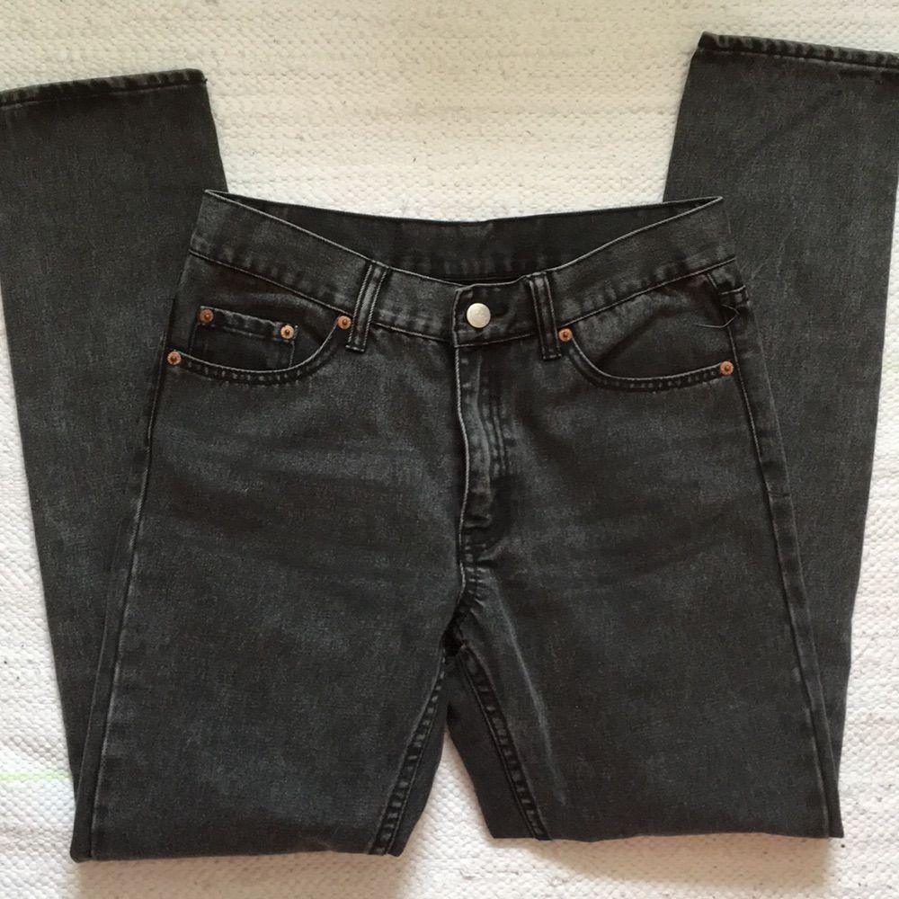stentvättade jeans från cheap monday, hög midja och smala/tajta ben 👖💋. Jeans & Byxor.