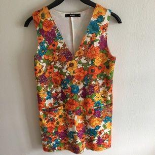 Såå fin klänning från bikbok. Endast använd ett fåtal gånger. Hur fin som helst!