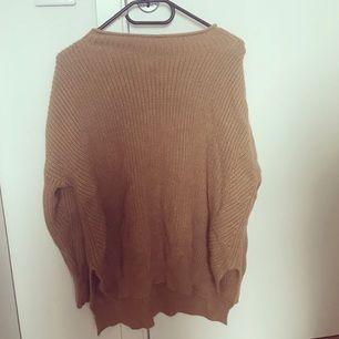 Stickad tröja ifrån Chiquelle i använt skick. Storlek S✨