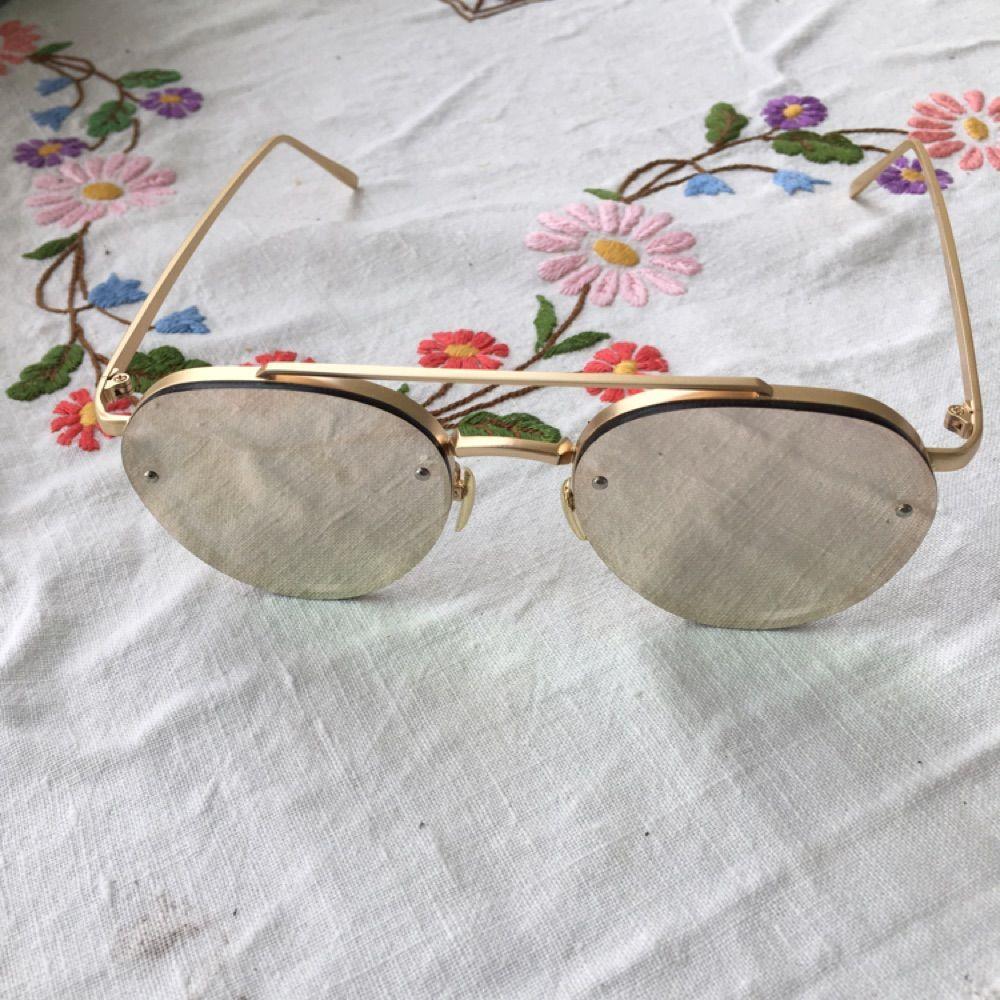 ... Ett par sjukt snygga solglasögon från nätbutiken Chiquelle. De är  mirrored i färgen rose gold ... b8fc869acbe5f