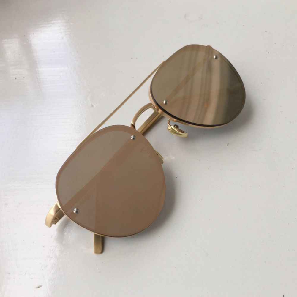 ... Ett par sjukt snygga solglasögon från nätbutiken Chiquelle. De är  mirrored i färgen rose gold e37d59efad302