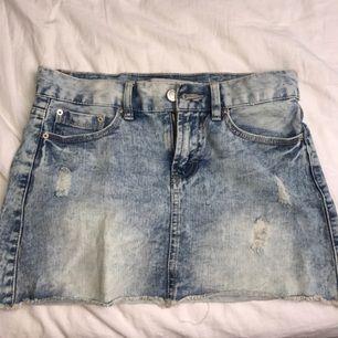 Söt jeanskjol