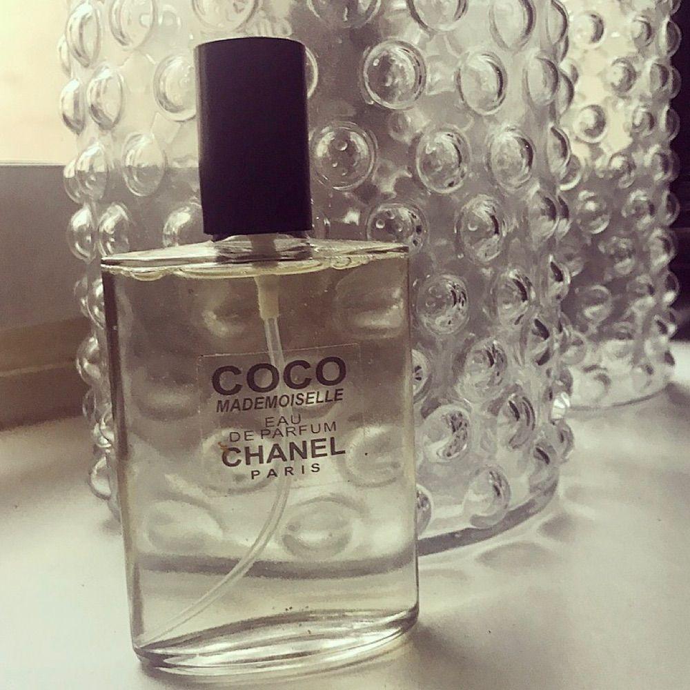 Helt ny Coco Chanel parfym (inte äkta) . Accessoarer.