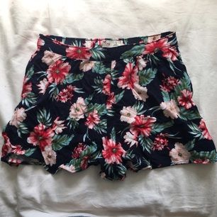 Högmidjade shorts från hollister