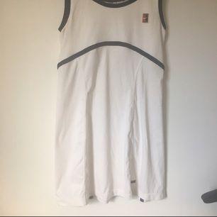 Klänning från Nike. Strl S