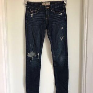 jätte fina tajta jeans! nypris:500kr