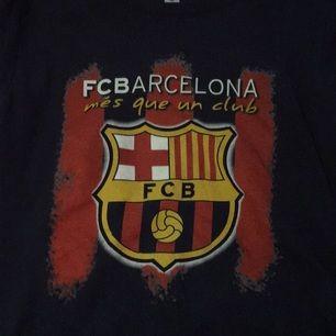 Messi-tröja storlek S, unisex.