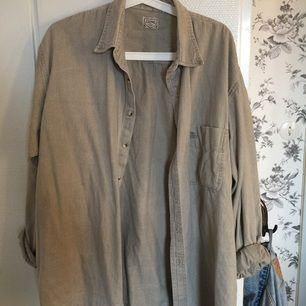 Snygg Vintage skjorta från chino! Funkar bra till många outfits och är skön och har en mycket bra kvalité