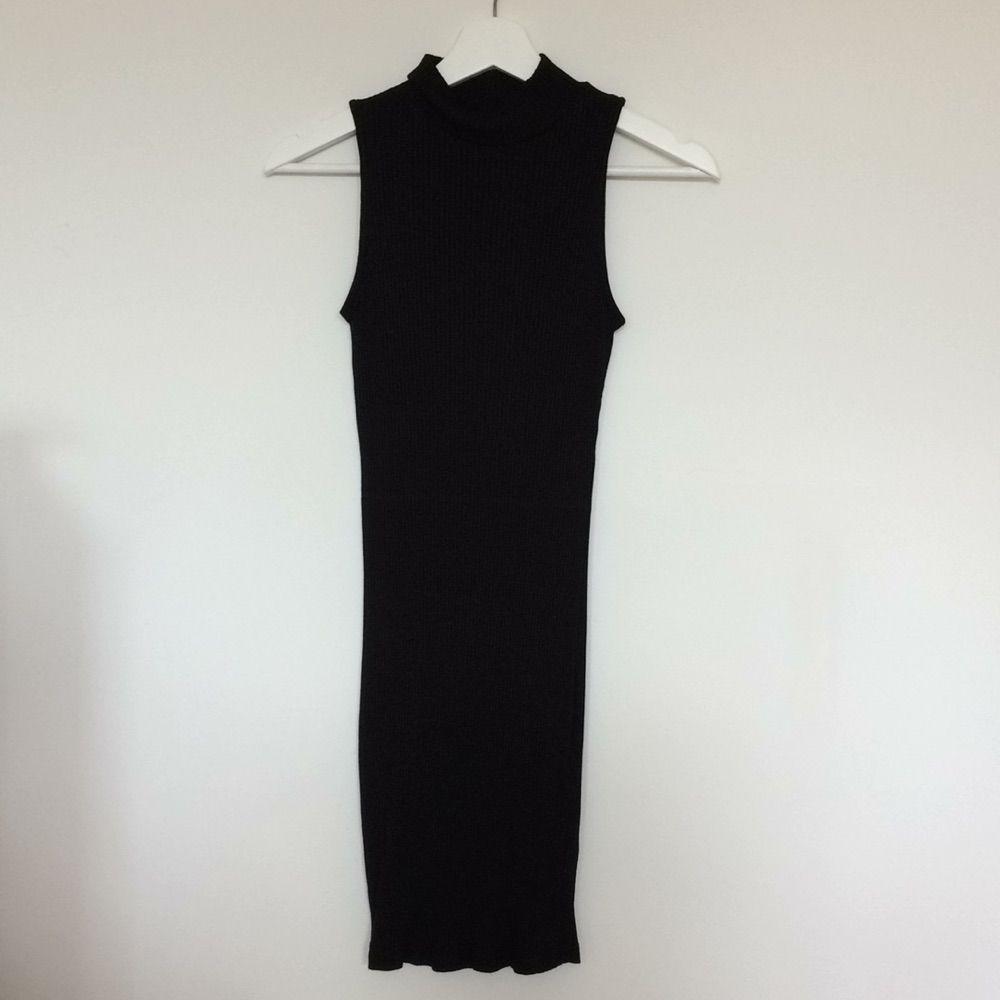 23a454a84fe9 Superstretchig klänning från Gina - Gina Tricot Klänningar - Second Hand