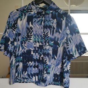 kortärmad skjorta från River Island i väldigt bra skick
