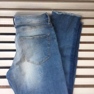 Snygga jeans från Lindex.  Lite kortare i benen.