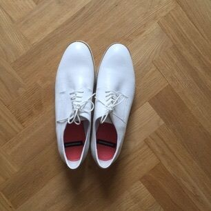 White leather shoes from Vagabond. Never used.