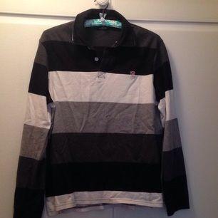 Långärmad skjort-tröja från U.S Polo. Strl. M, gott skick!