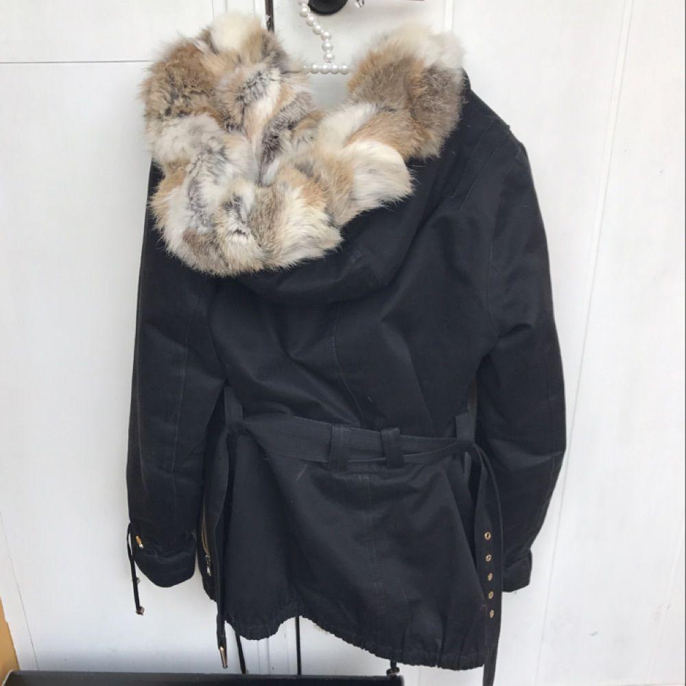 Golddetails Verkaufe meine schöne Jacke per Pearl de Vous in schwarzer  Farbe mit echtem Kaninchenfell. a30489b8e3