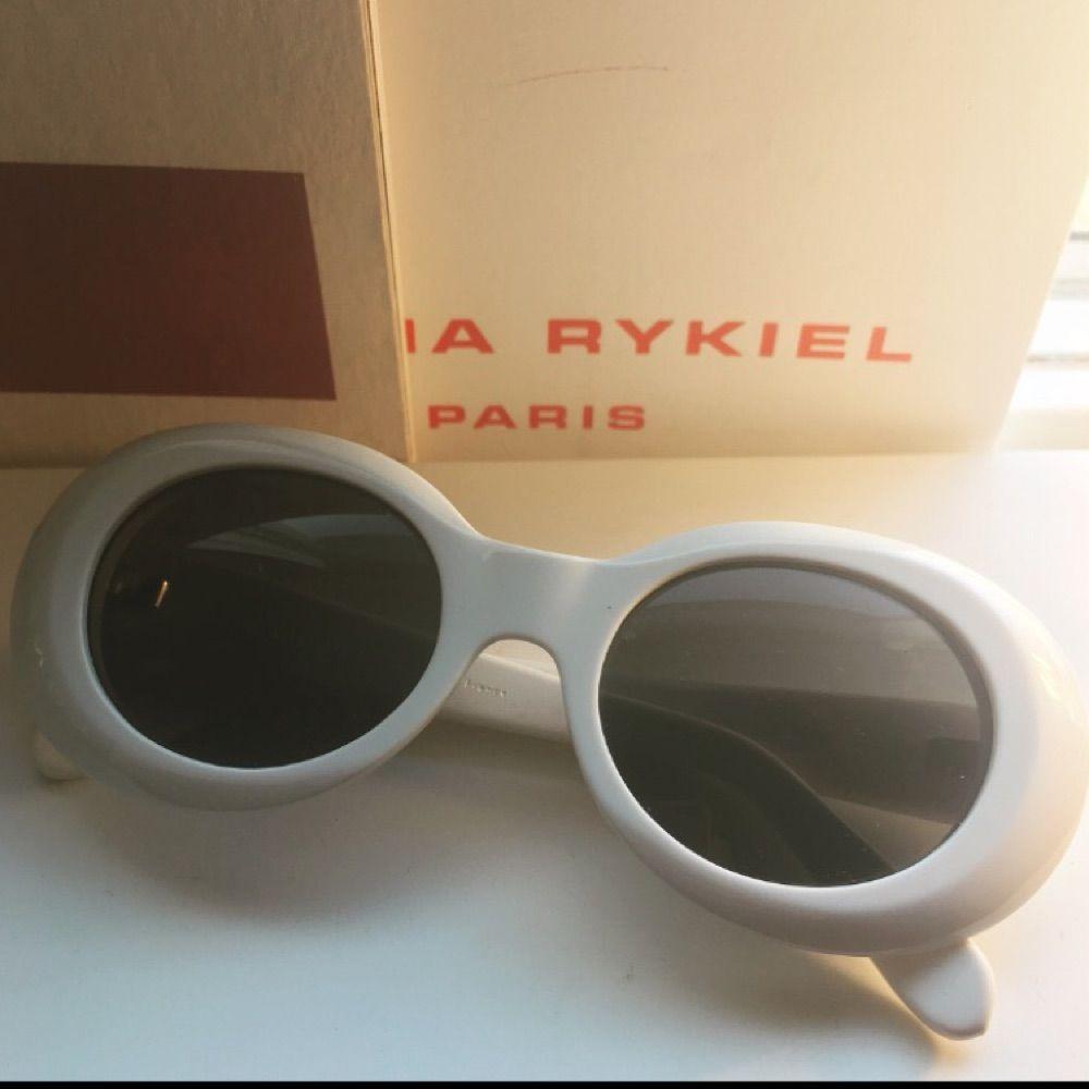 Solglasögon från Acne. Inköpta för 2000. Säljer för 850. Accessoarer.