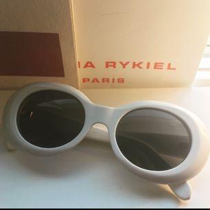 Solglasögon från Acne. Inköpta för 2000. Säljer för 850
