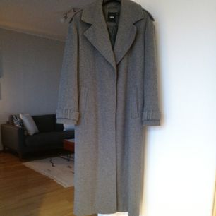 oversize coat, worn twice, very good condition