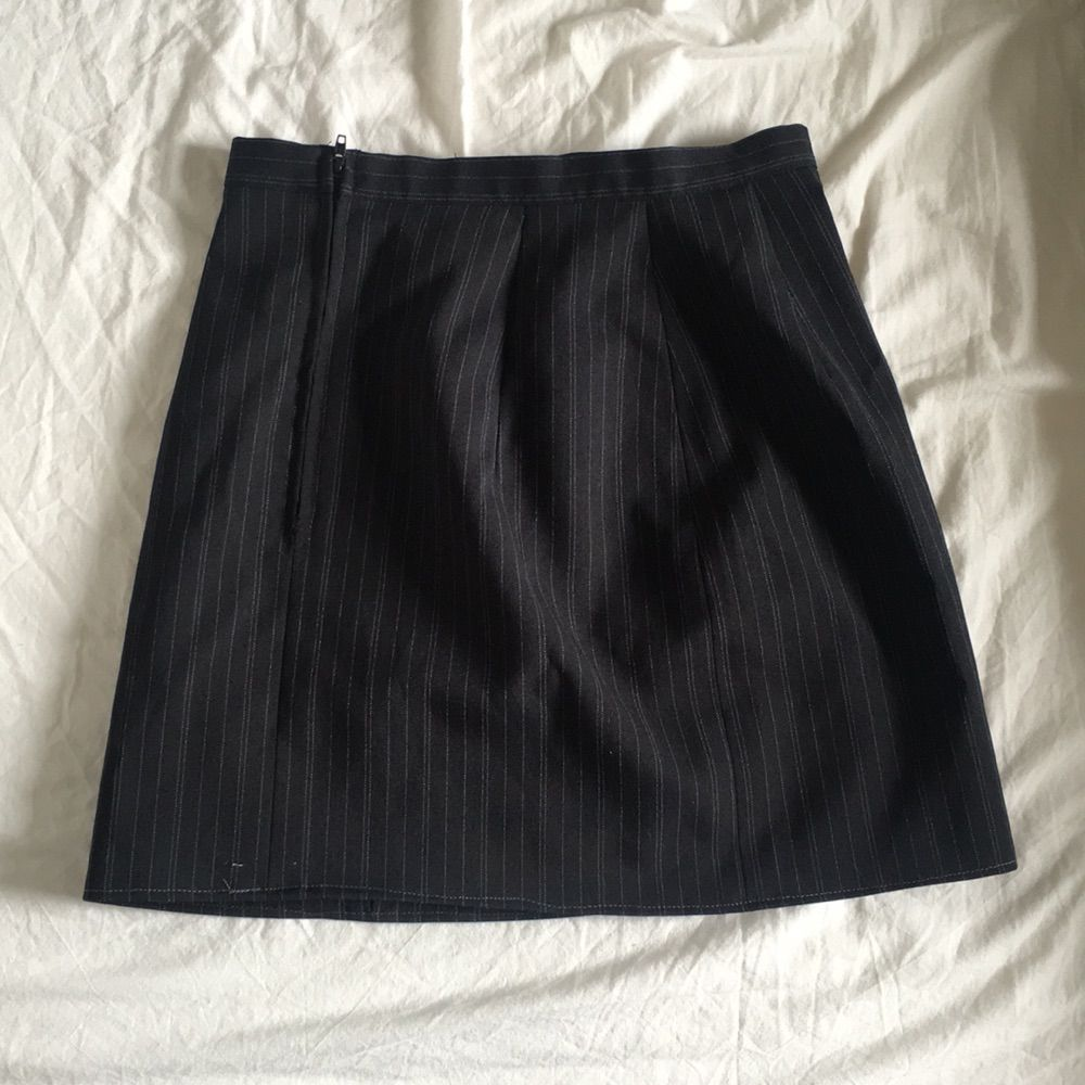 Otrolig fin 90tals kjol! Säljer pga för liten för mig själv. Köparen står för frakt.. Kjolar.