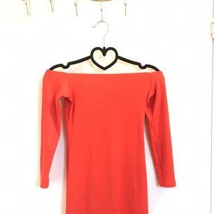 👗Jätte fin kort klänning från Gina tricot jag har användat bara en gång👗