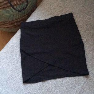 Omlott-kjol från Gina! Tror faktiskt aldrig den är använd 🍀 Swish, frakt till kommer!