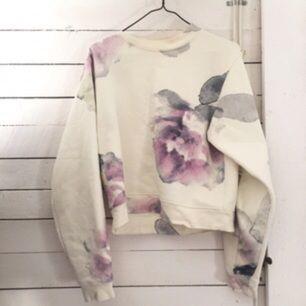 Sweatshirt från ACNE STUDIOS. Använd ett fåtal gånger.