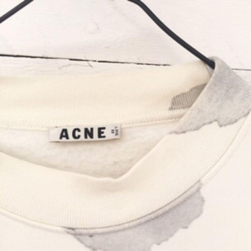 Sweatshirt från ACNE STUDIOS. Använd ett fåtal gånger.. Huvtröjor & Träningströjor.