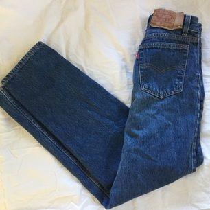 Vintage Levis 501 jeans köpta i London, fint skick. Köparen betalar för frakt