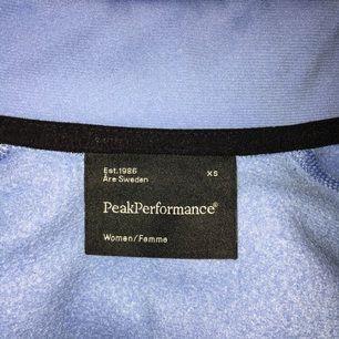Äkta Ljusblå peak tröja i storlek Xs. Gott skick