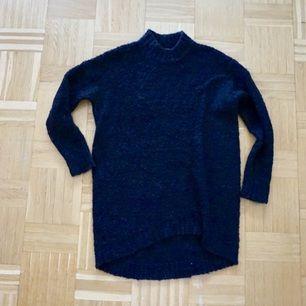 Oversize stickad tröja från Lindex, endast använd en gång! Frakt tillkommer