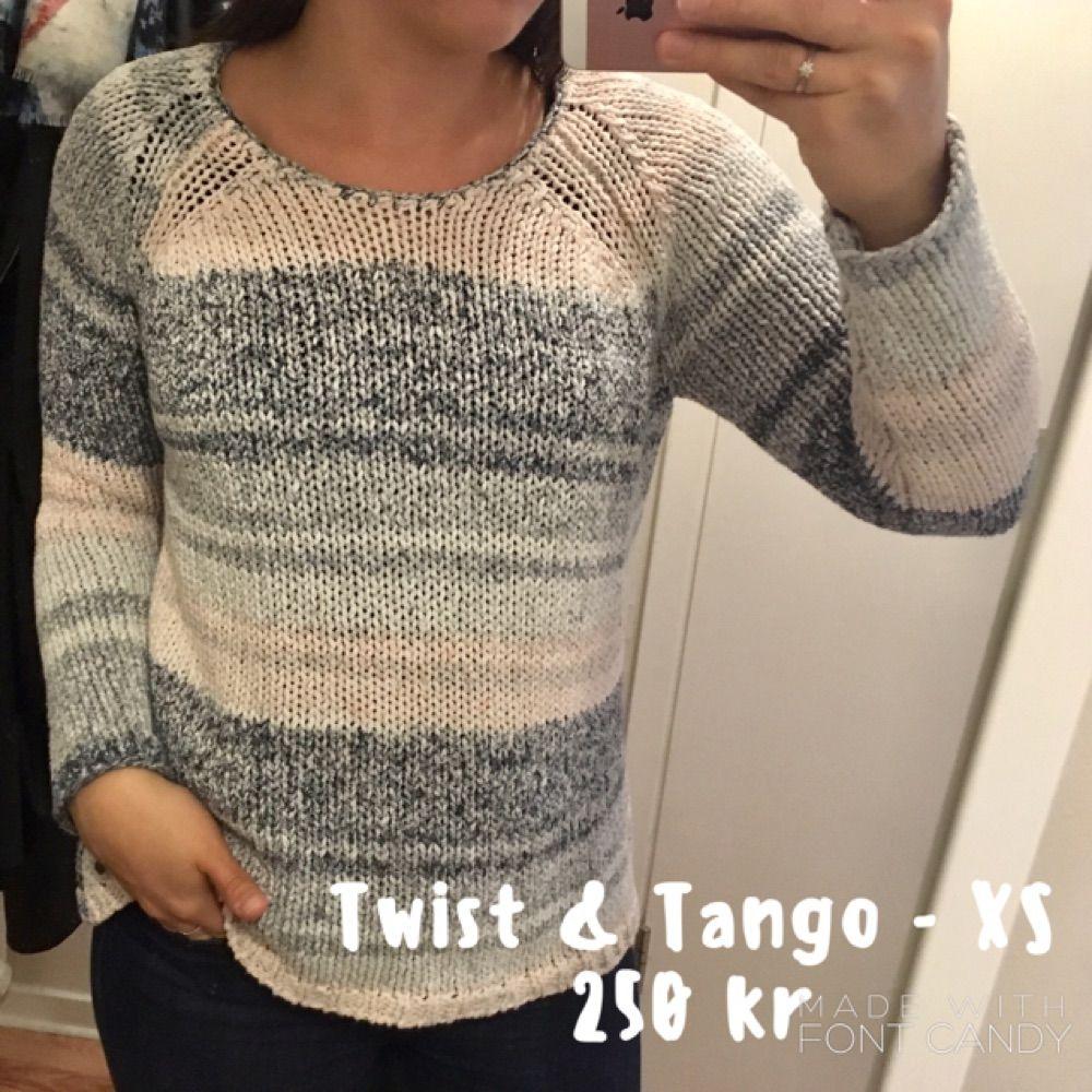 Knappt använd stickad tröja från Twist & Tango. Strl XS men passar även S.. Stickat.