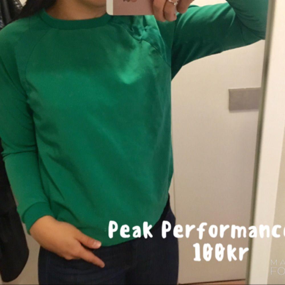 Peak Performance, knappt använd, strl S.. Toppar.