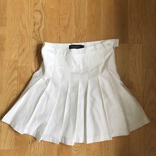 Kjol från american apparel, storlek medium men mer som en liten S, som ny