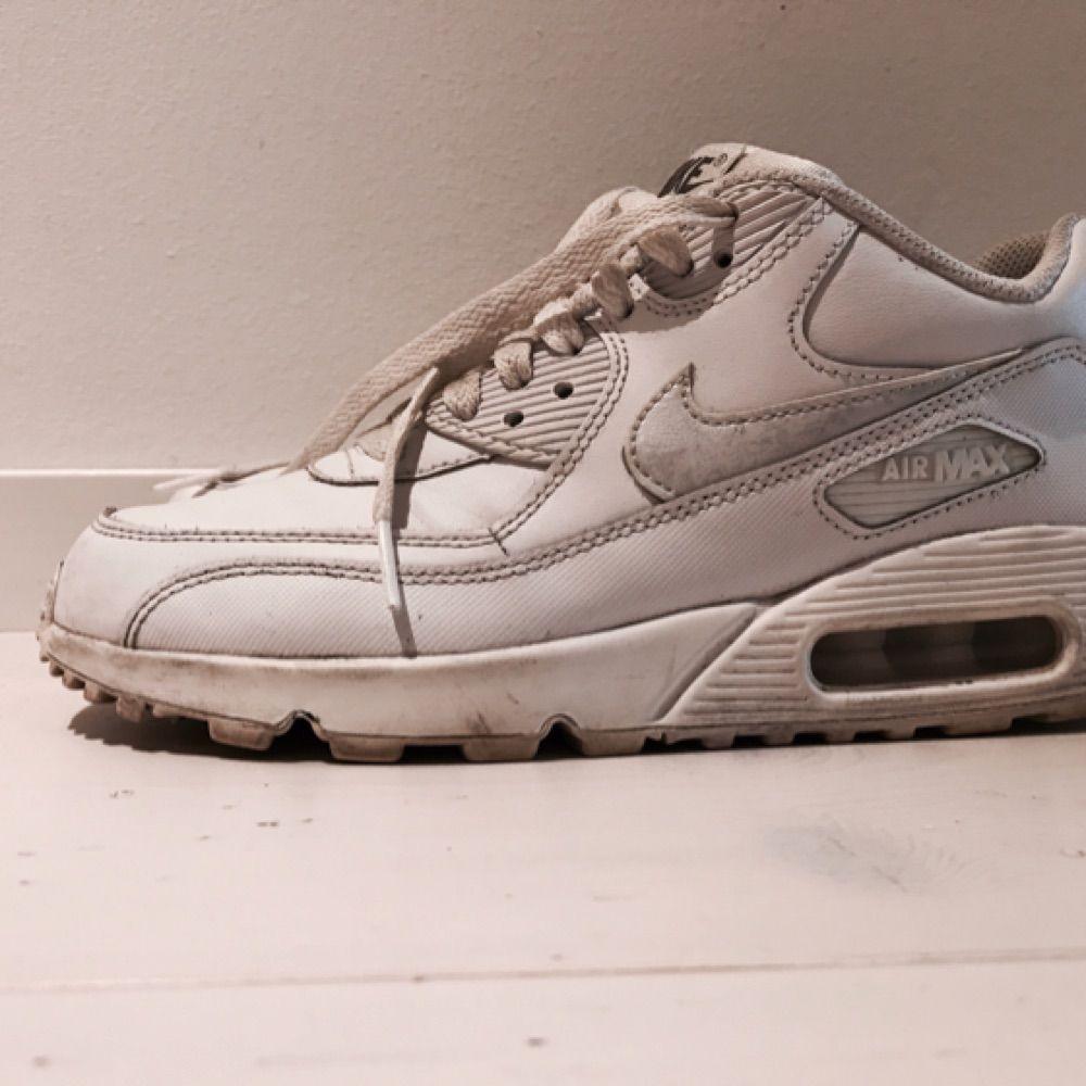 timeless design 6e262 dcea6 Nike air Max. Hyfsat fint skick. Använt ett fåtal gånger. Storlek 38 men ...