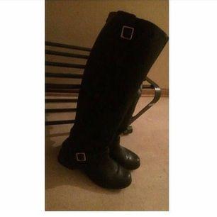 Den är helt ny! Overknee boots