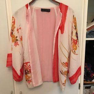 Fin kimonokofta, aldrig använd.
